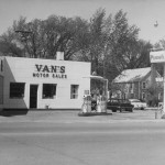 VansFront1960BW